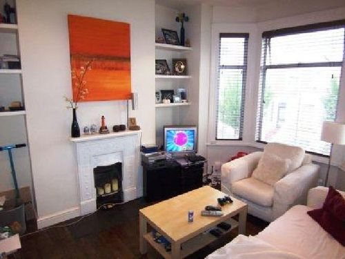 St elmo Road 1 bedroom flat for let in W12