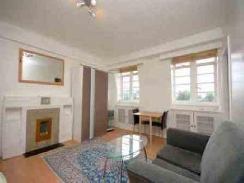 Chatworth Court studio flat for let in W8