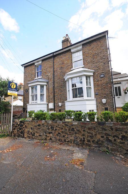 1 bedroom flat for sale in W7 Northfields