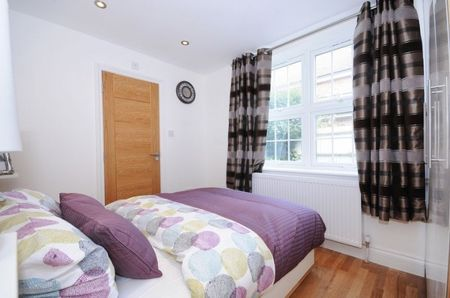 Hilary Road one bedroom flat for sale in W12